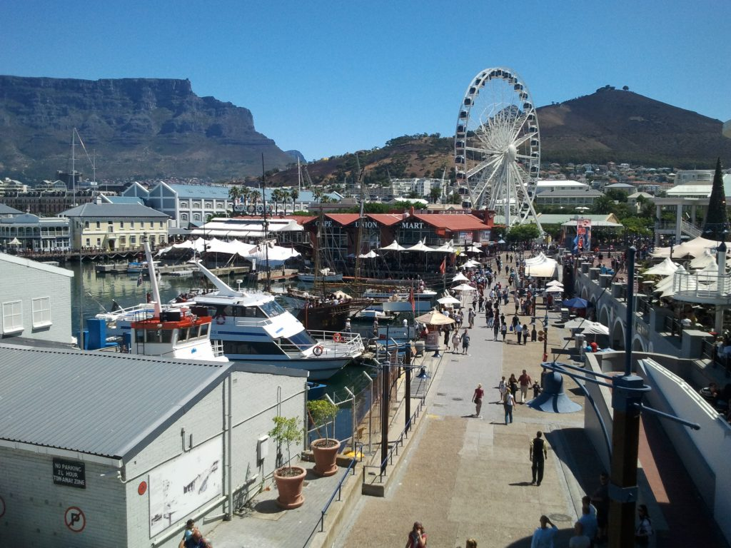 Victoria and Alfred Waterfront, situated between Robben Island and Table Mountain, one of Cape Town's biggest tourist attractions │© TAC